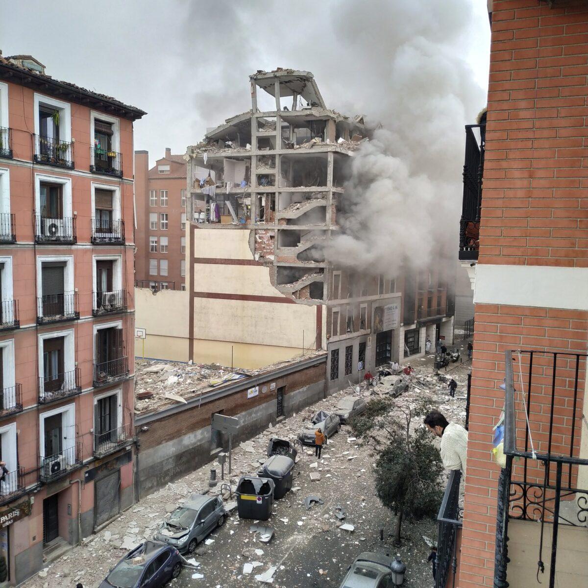 El edificio destrozado tras la explosión.